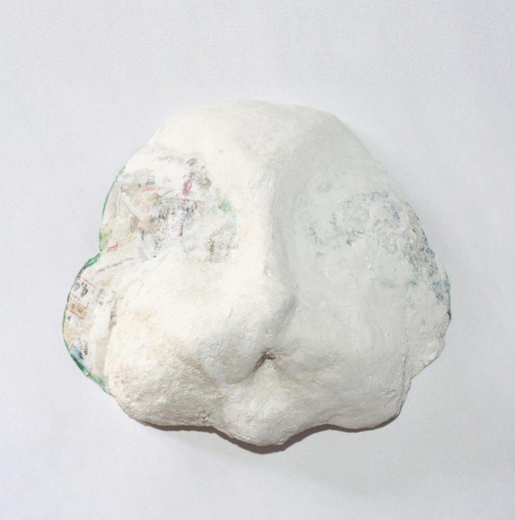 Hasenmaske DIY Wangen formen mit Pappmache